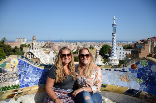 Showing Kristi around Park Güell
